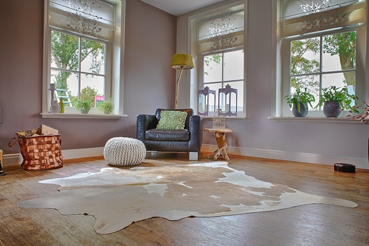 woonkamer vrijstaand landhuis:   door Aangenaam Interieuradvies, Eclectisch