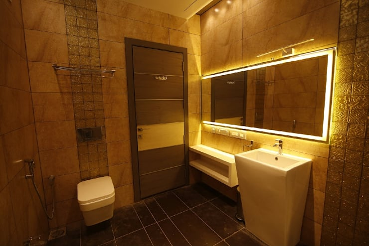Residential interiors for Mr.Siraj at Chennai:  Bathroom by Offcentered Architects
