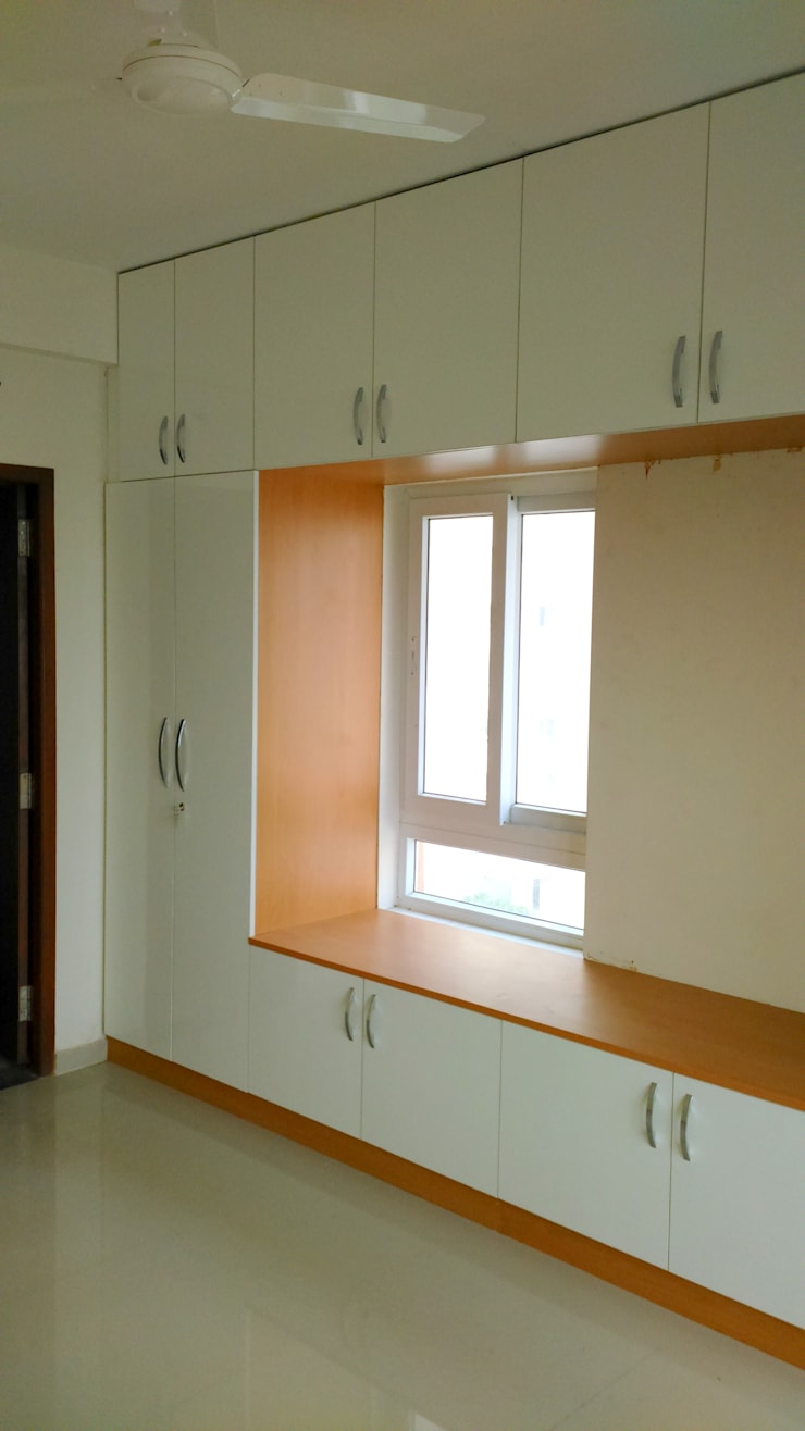 Classic Maple Mix:  Bedroom by Classic Kitchen Pvt Ltd
