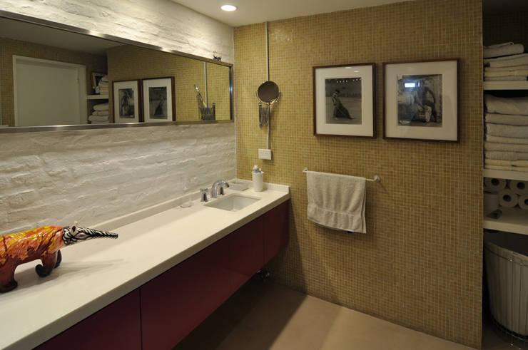 Baño: Baños de estilo  por Matealbino arquitectura