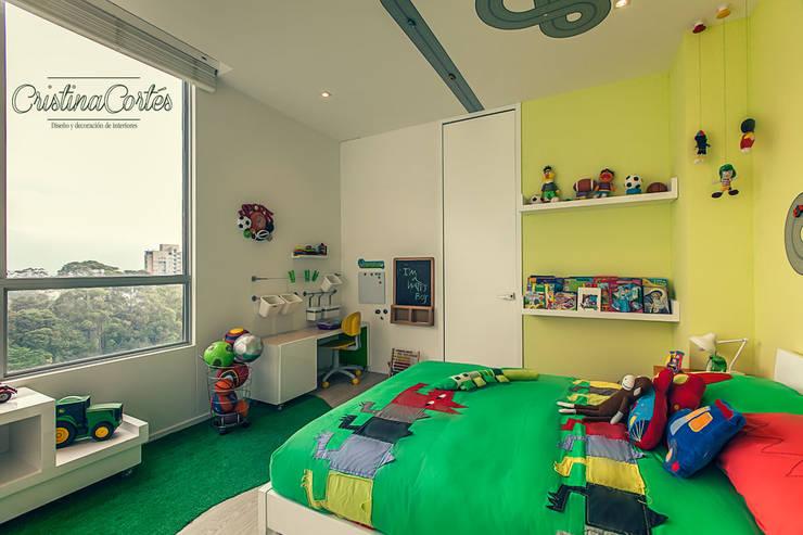 Habitacion Infantil : Habitaciones infantiles de estilo  por Cristina Cortés Diseño y Decoración