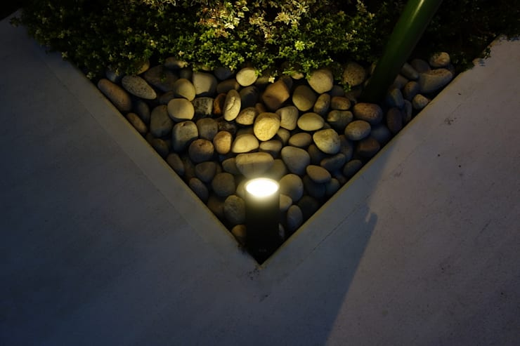 Jardins ecléticos por NOD GARDEN