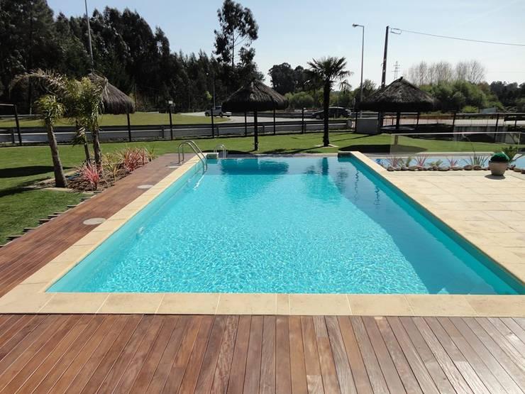 Bordadora de piscina em Granito+: Hotéis  por BELGRAN, LDA