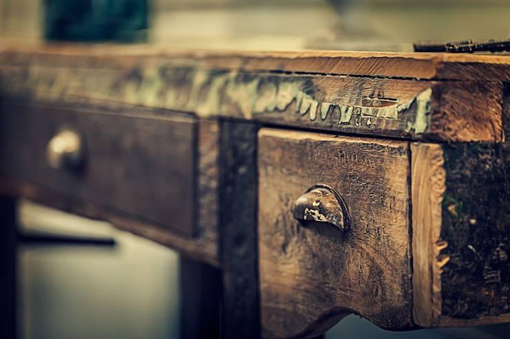 Banco de carpinteria : Arte de estilo  por Cristina Cortés Diseño y Decoración