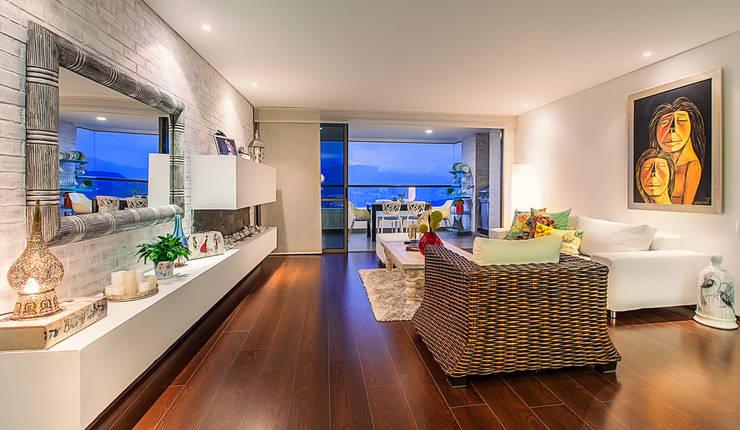 Sala de estar  por Cristina Cortés Diseño y Decoración