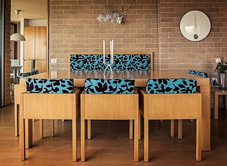 Comedor de estilo  por Cristina Cortés Diseño y Decoración