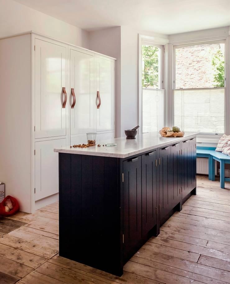 Kitchen by British Standard by Plain English