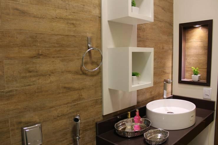 Projekty,  Łazienka zaprojektowane przez Arquiteta Bianca Monteiro