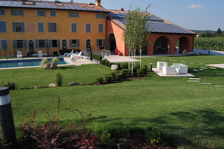 CORTE DEL PAGGIO: Giardino in stile  di Lugo - Architettura del Paesaggio e Progettazione Giardini