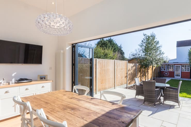 Extension and Renovation, Surbiton KT6:  Kitchen by TOTUS