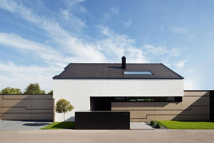 Maisons de style  par LEE+MIR