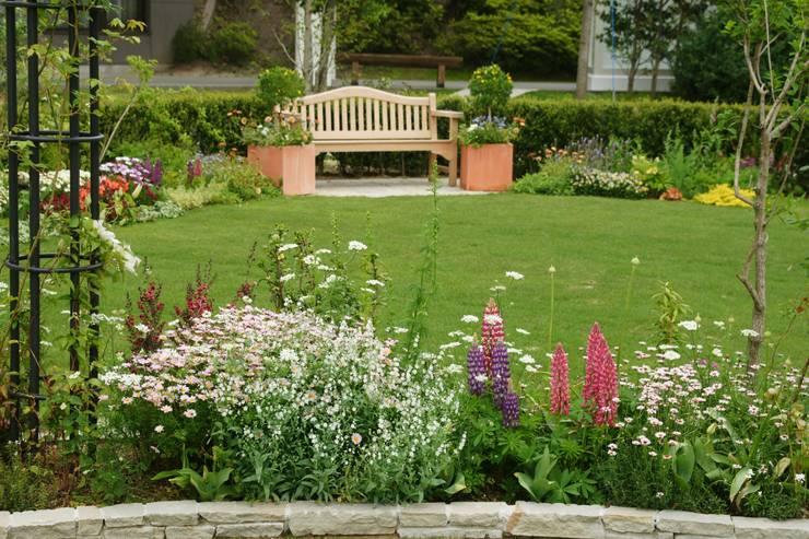 商業施設ガーデン施工例  チャペルガーデン: Bloom Fieldが手掛けた庭です。