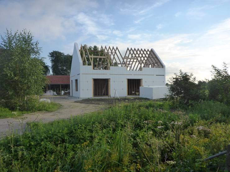 Bouwproces passiefhuis:  Huizen door Villa Delphia, Landelijk