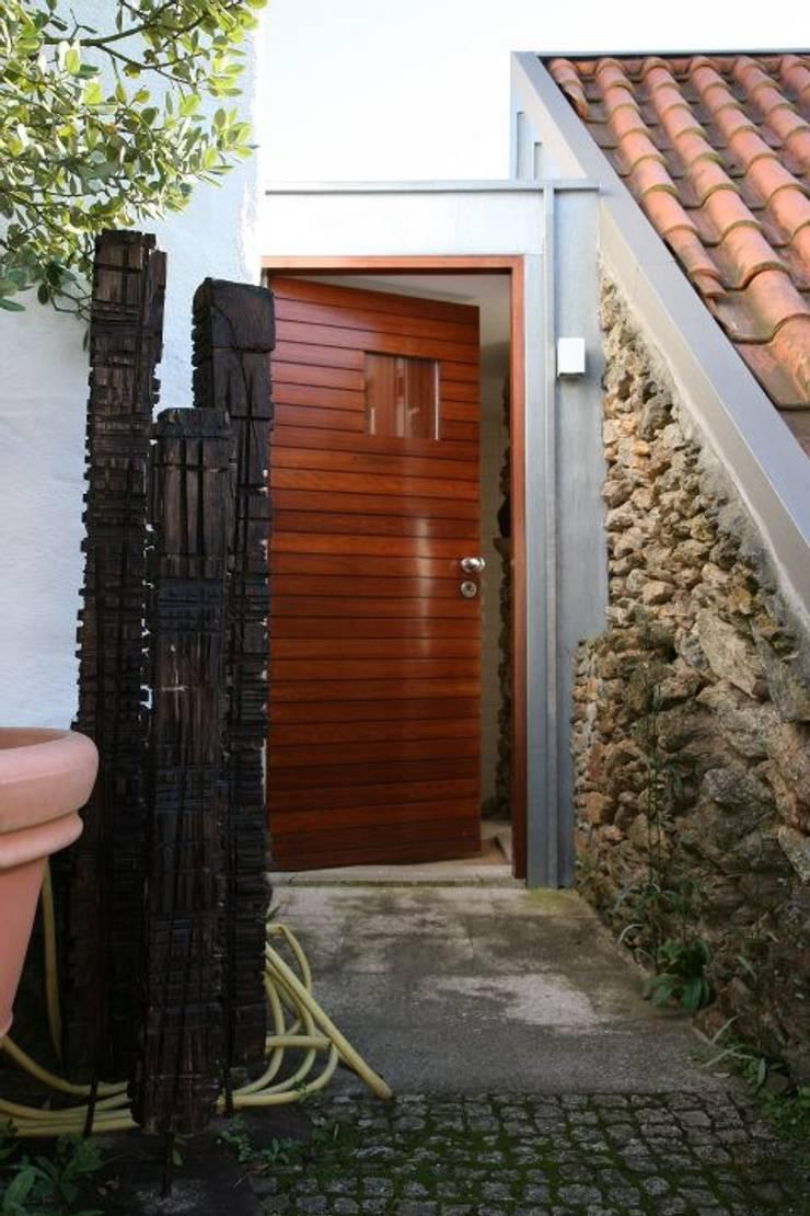 Recuperação de Habitação | Casa do Monte – Caminha, Portugal:   por Ricardo Azevedo Arquitectos