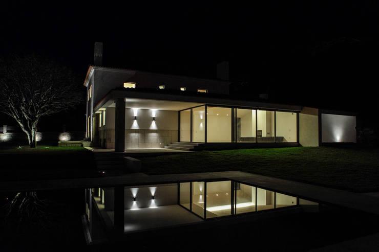 Casa Azevedo Coutinho : Casas modernas por Diana Vieira da Silva Arquitectura e Design