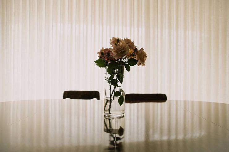 Apartamento Bartolomeu Velho: Sala de jantar  por Diana Vieira da Silva Arquitectura e Design