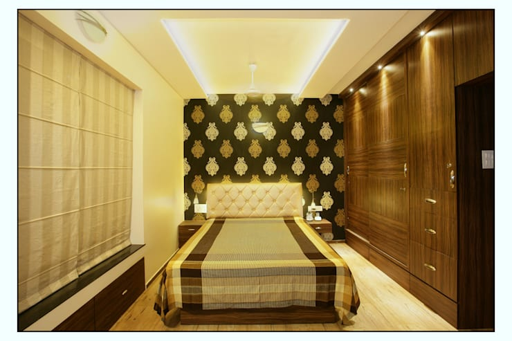 Residence For Captain Nikhil Kanetkar and Ashwini Kanetkar:  Bedroom by Navmiti Designs