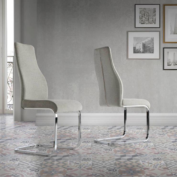 Cadeiras Chairs www.intense-mobiliario.com  Pag http://intense-mobiliario.com/product.php?id_product=2313: Sala de jantar  por Intense mobiliário e interiores;