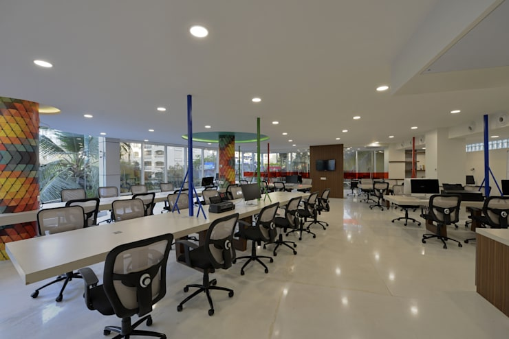 Chillr office:  Commercial Spaces by Aum Architects