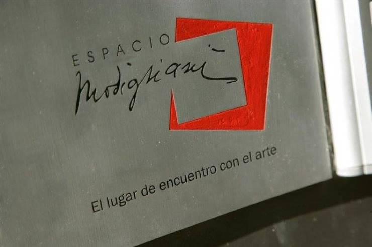 EDIFICIO MODIGLIANI: Casas de estilo  por sm arquitectura