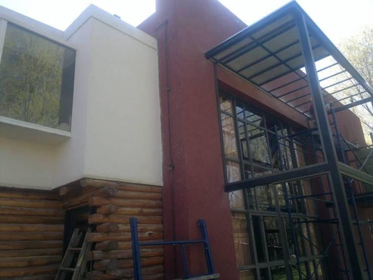 HECHO EN LA MONTAÑA: Casas de estilo  por sm arquitectura,