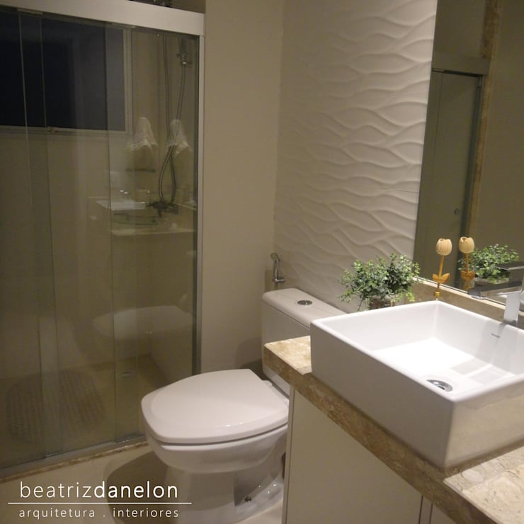 Ванные комнаты в . Автор – BEATRIZ DANELON | Arquitetura e Interiores
