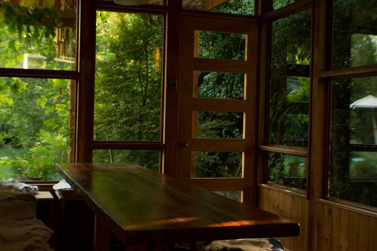 Meson Roble Cocinas de estilo rústico de PhilippeGameArquitectos Rústico Madera Acabado en madera