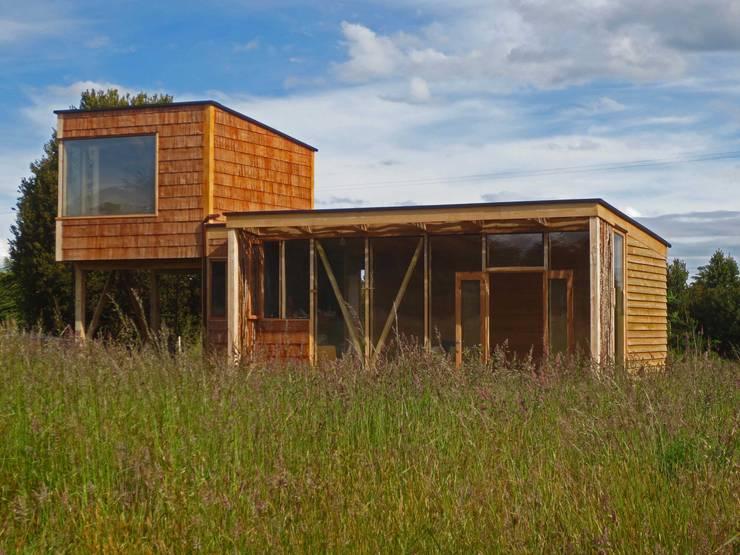 Frente: Casas de estilo moderno por PhilippeGameArquitectos