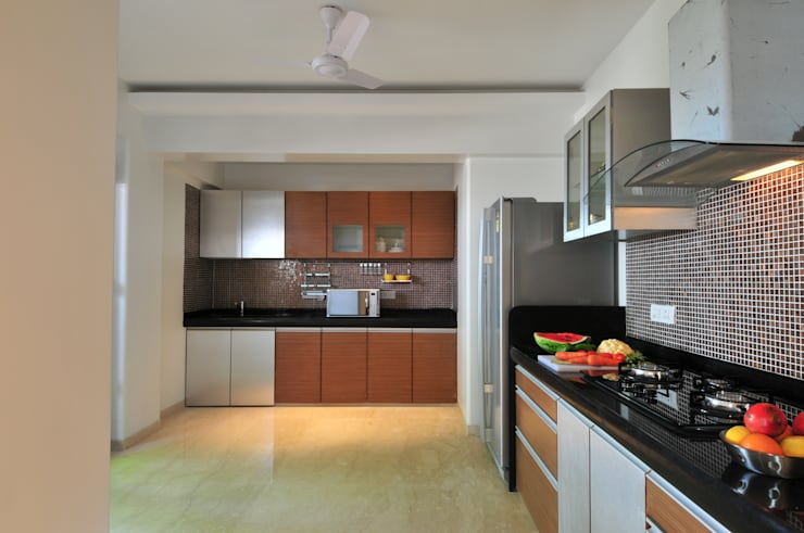 Penthouse Design:  Kitchen by Aum Architects