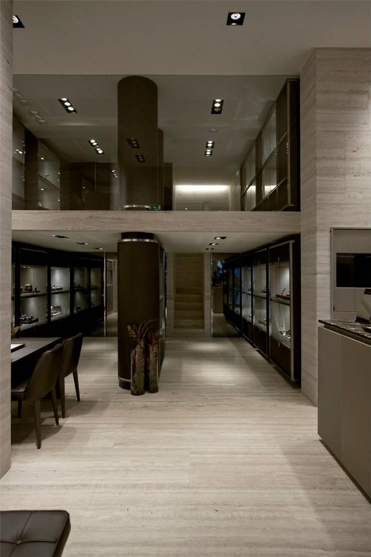 Espaço Gilles: Espaços comerciais  por Diana Vieira da Silva Arquitectura e Design