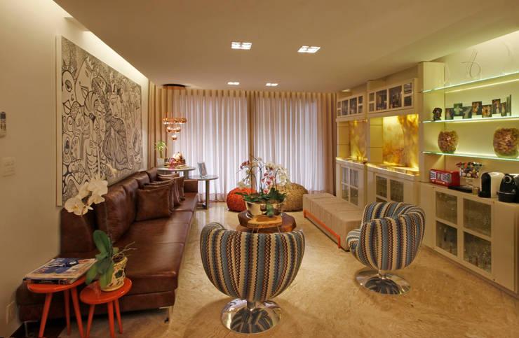 Salas de estilo  por Jacqueline Ortega Design de Ambientes