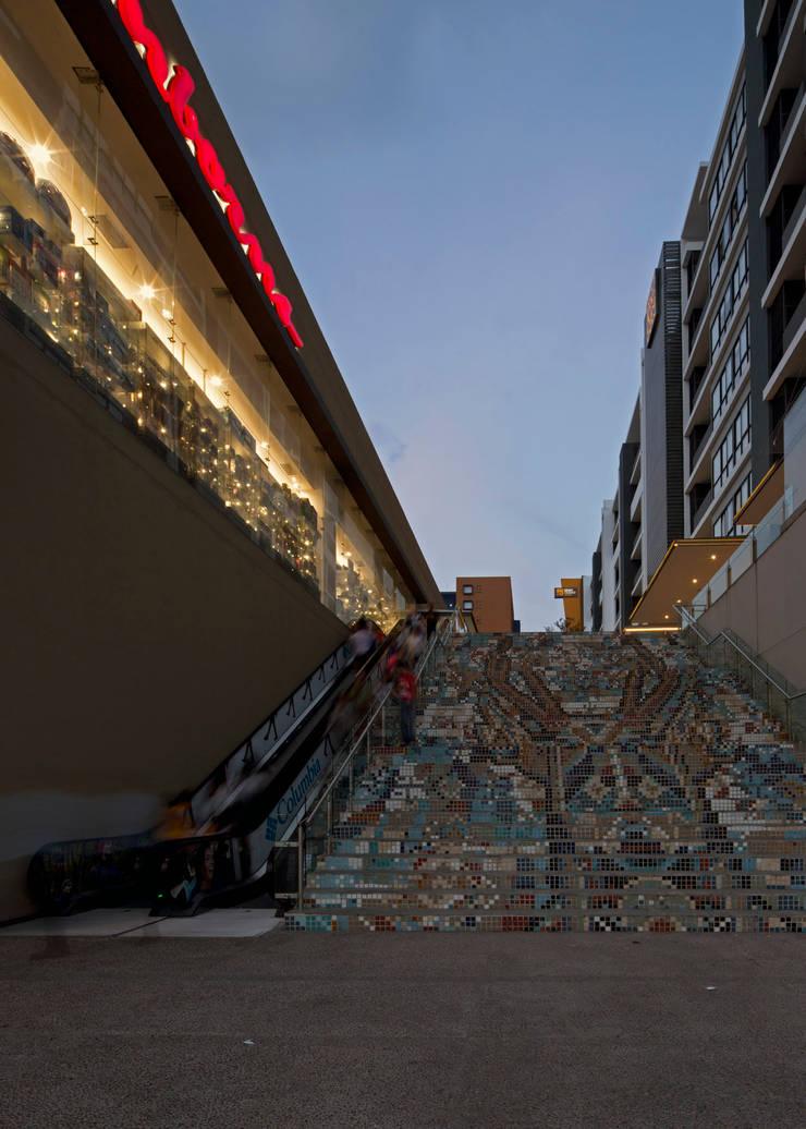 Nuevo Sur : Pasillos y recibidores de estilo  por Grow Arquitectos