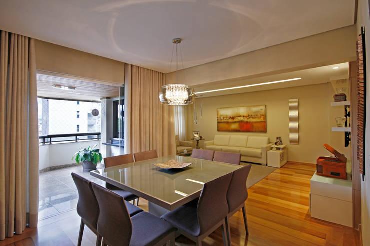 Comedores de estilo  de Jacqueline Ortega Design de Ambientes, Clásico