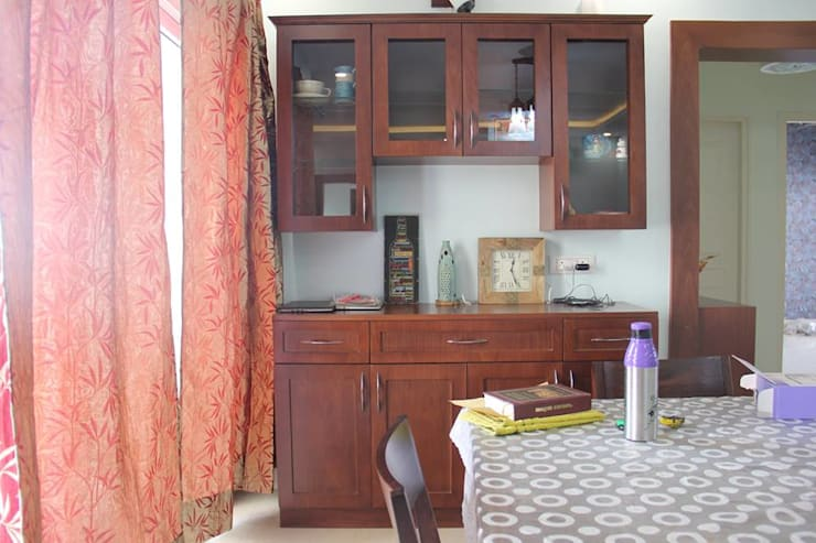 BhubanaGreenCrockeryUnit: classic Dining room by Uniheights Interio PVT LTD