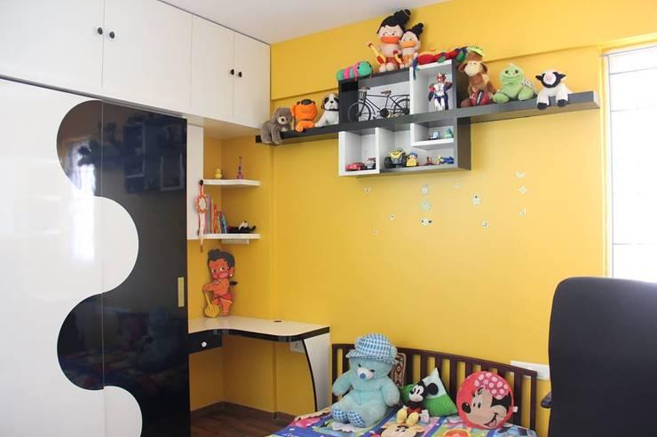 VaswaniReserveKidsBedRoom:  Nursery/kid's room by Uniheights Interio PVT LTD