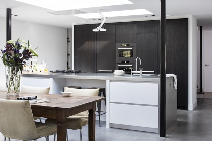 modern Kitchen by ENZO architectuur & interieur