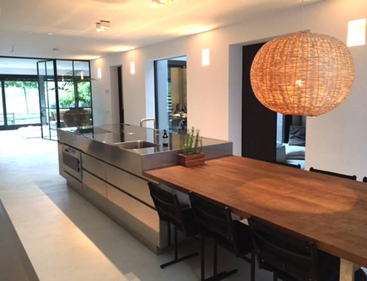 Woning IJburg:  Keuken door MG Interieurarchitectuur BNI, Modern Multiplex