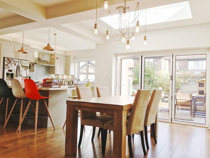 Interior View: modern Dining room by Artform Architects