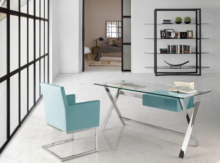 Secretárias Desks  www.intense-mobiliario.com  Accian http://intense-mobiliario.com/product.php?id_product=8938: Escritório  por Intense mobiliário e interiores;