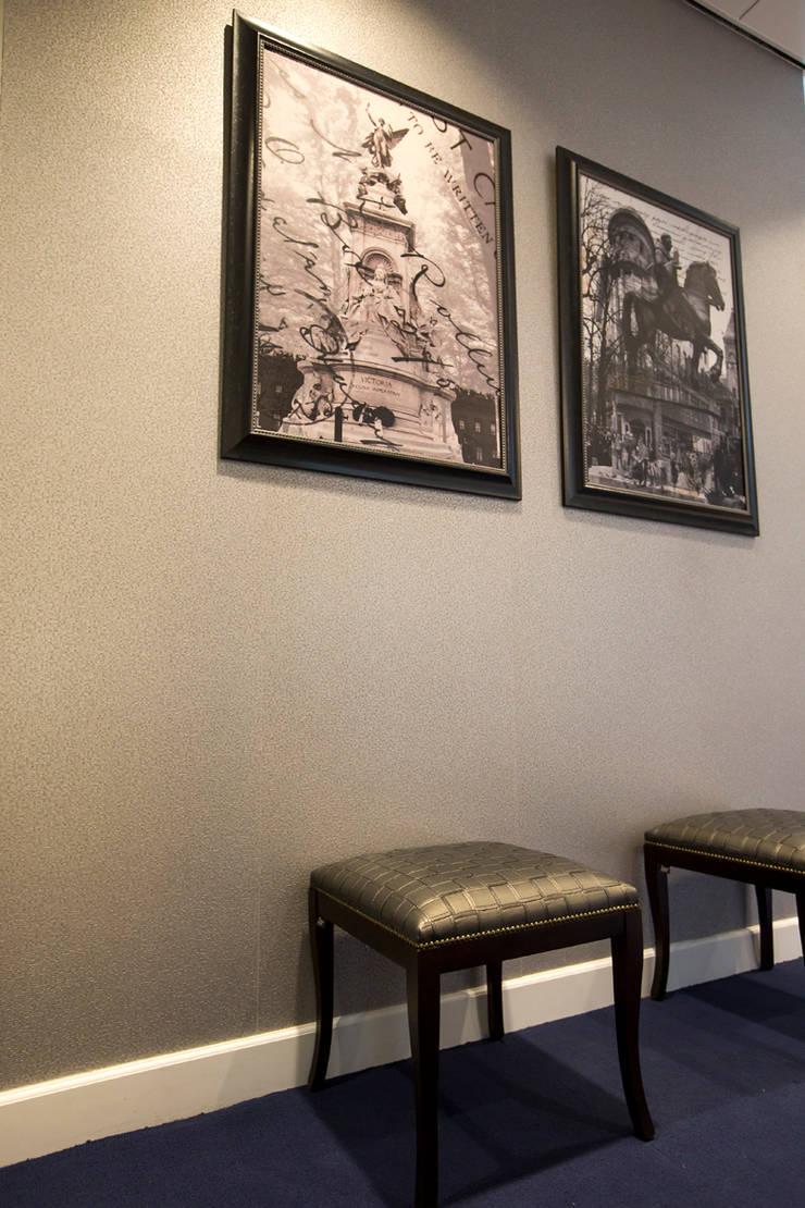 Artworks:  Gang, hal & trappenhuis door All-In Living
