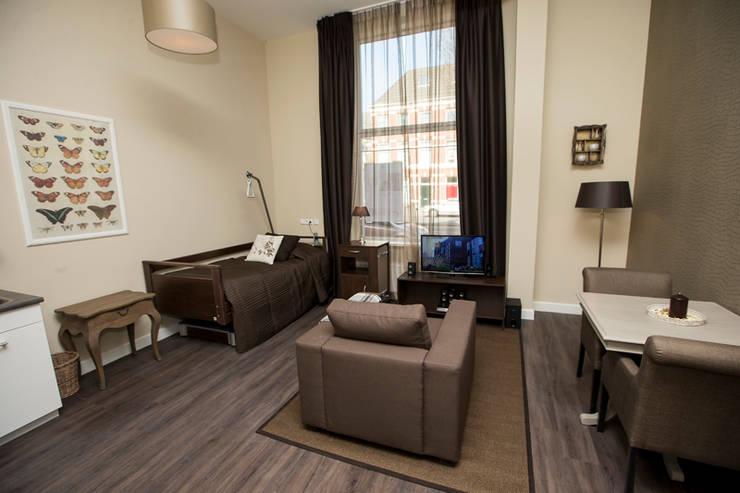 Hotel- zorgkamer:  Slaapkamer door All-In Living