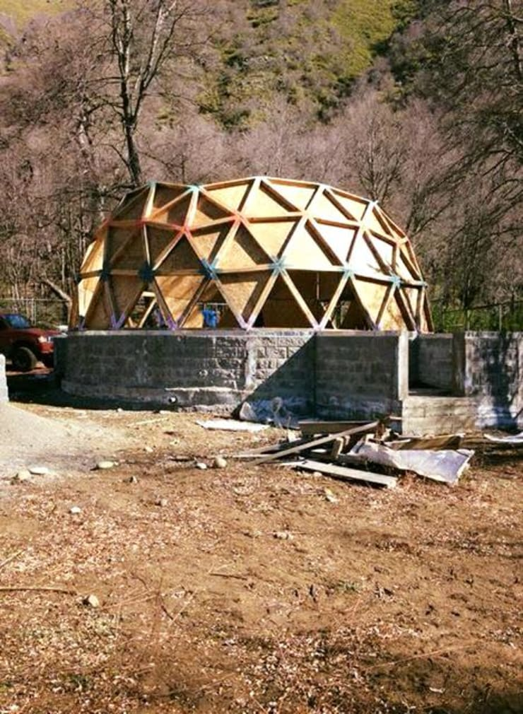 domo de 100 metros cuadrados las trancas chillan: Dormitorios de estilo  por smart domos