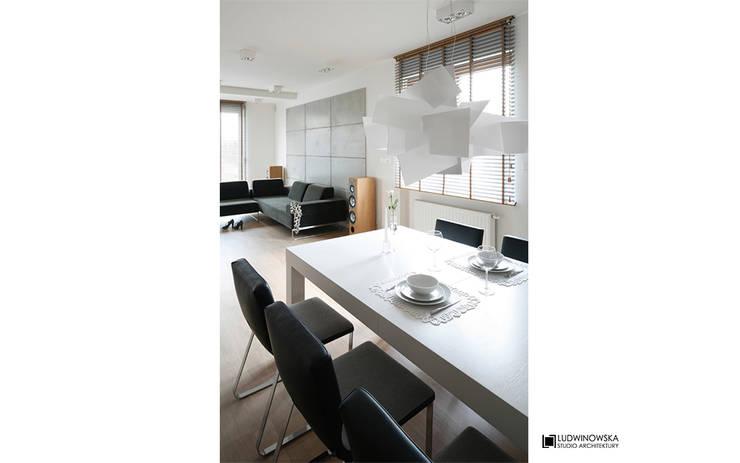 ASCETYCZNY AZYL: styl , w kategorii Jadalnia zaprojektowany przez Ludwinowska Studio Architektury