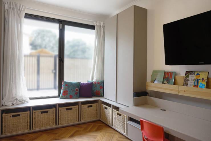 Sala de juegos: Habitaciones infantiles de estilo  por KRAUSE CHAVARRI