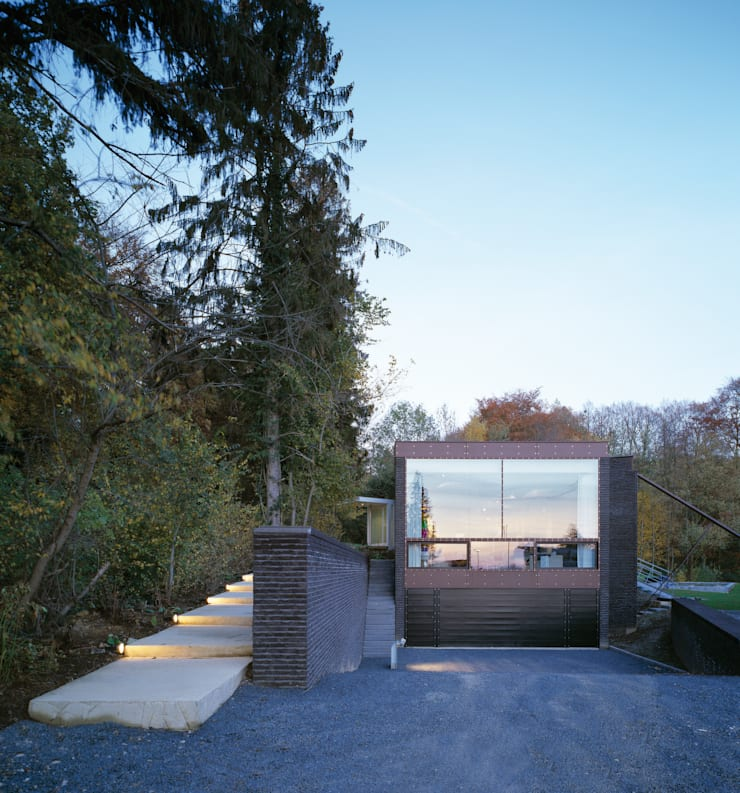 Woonhuis Wijnhoven - Beijnsberger:  Huizen door bv Mathieu Bruls architect, Modern