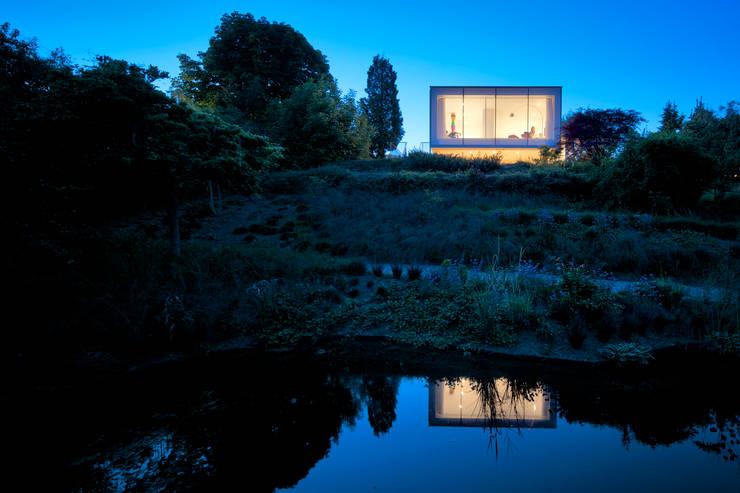 Woonhuis Aramislaan:  Tuin door bv Mathieu Bruls architect