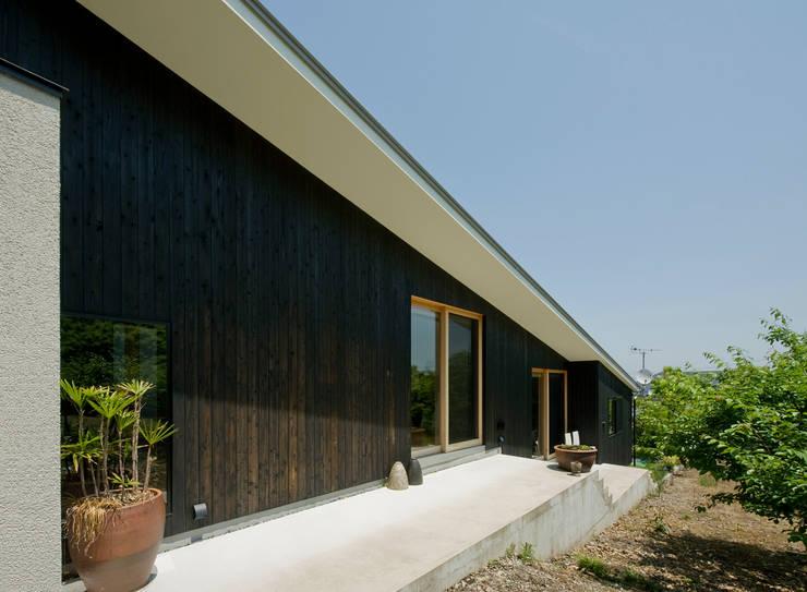 modern Houses by LIC・山本建築設計事務所