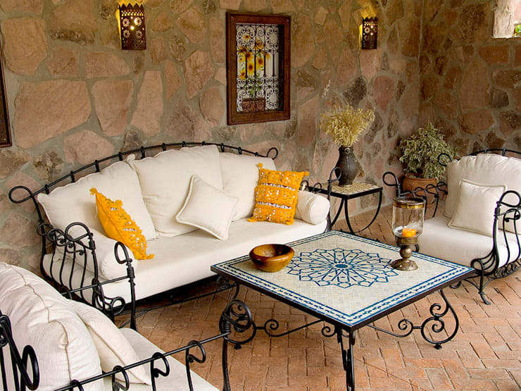 mediterranean Living room تنفيذ Decoración Andalusí