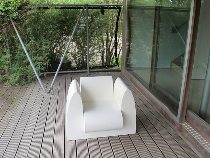 GrandChair: modern  door bv Mathieu Bruls architect, Modern Kunststof