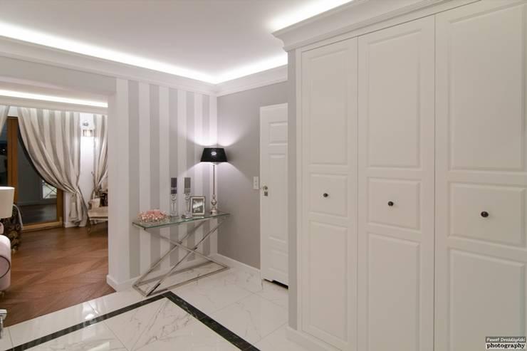 Wnętrze Modern Glamour: styl , w kategorii Garderoba zaprojektowany przez Atelier Architektury Magdalena Potok